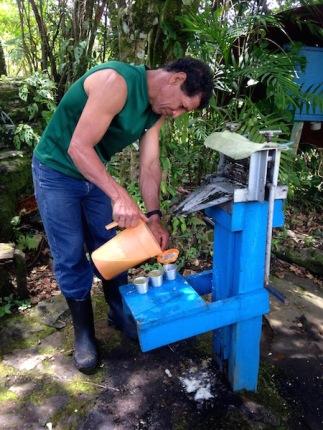 Gilberth, Finca La Bella Sustainable Farm Tour